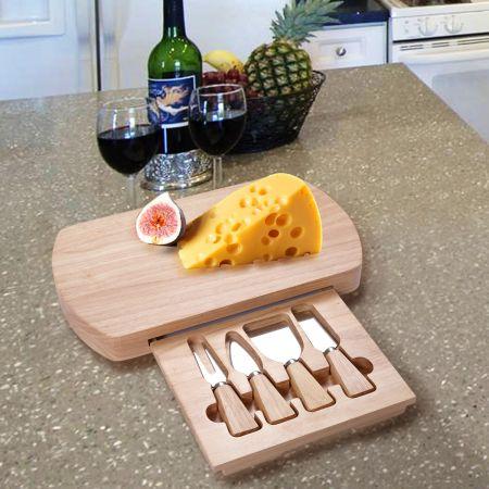 plateau de fromages en bois de forme ovale et un service de couteau fixé au fromage fixé bois Planche à fromage et 4 pcs couverts
