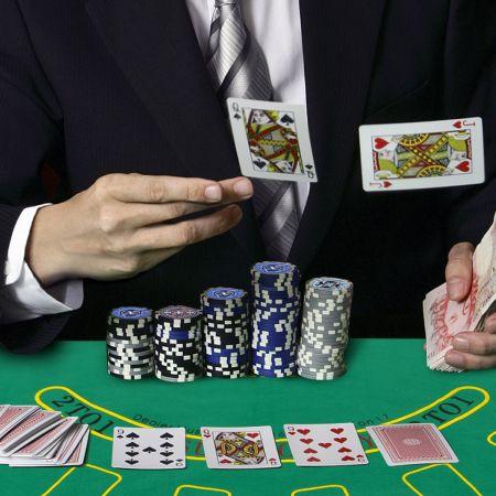 Costway Mallette de Poker 500 Jetons 2 Jeux de Cartes 1 Tapis en Feutre Coffret Professionnelle Etui en Aluminium Noir